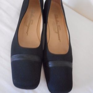 Ferragamo Boutique Size 7.5 4 A Slip on Shoes